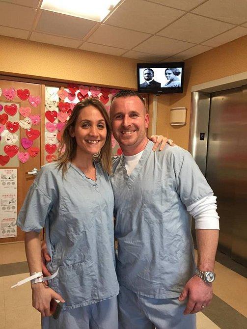 Nicole a Kevin byli u porodu.