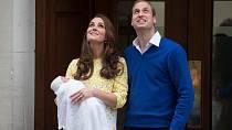 Marie královské děti miluje.