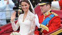 Kate Middleton a princ William se brali 29. dubna 2011.