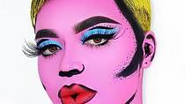 Proměny berou dech. Inspirace Andy Warholem je zřejmá.