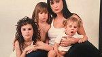 Demi Moore se svými třemi dcerami, která má s Brucem Willisem.