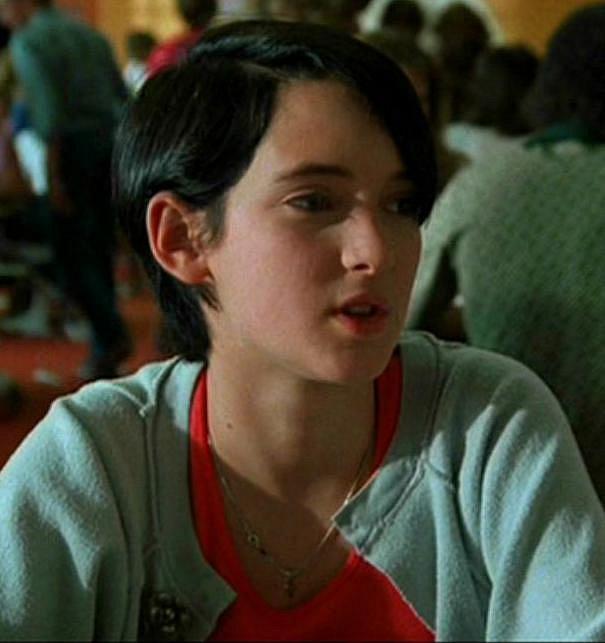 15 let - Winona Ryder se objevila poprvé před zraky diváků v romatické teenagerovské komedii Lucas v roce 1986