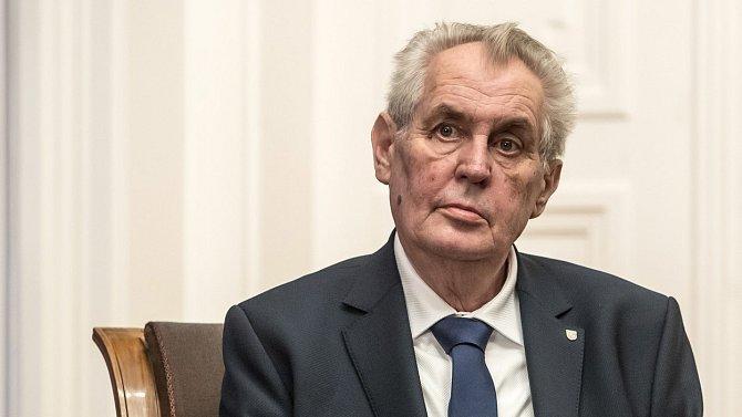 Miloš Zeman musel být hospitalizován.