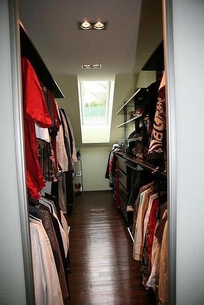 Otevřená šatna, kde oblečení dýchá, je skvělá.