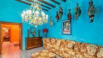 Vila na Sicílii hraje všemi barvami. Na první pohled je to nesourodá směska, ale při bližším prozkoumání se do ní zamilujete. Stejně jako do jejich modelů.