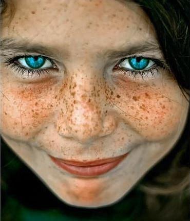 Kombinace rezavých vlasů a modrých očí se nejvíce vyskytuje u lidí s keltskou krví