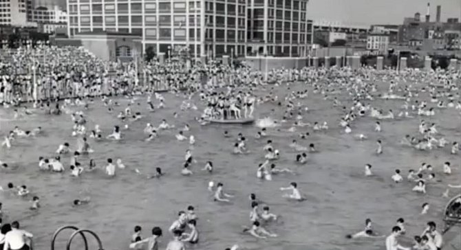 Plavecký bazén v Brooklynu