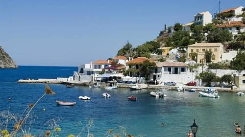 <p>Malé pláže u rybářských vesniček jsou ideální pro klidnou rodinnou dovolenou </p>