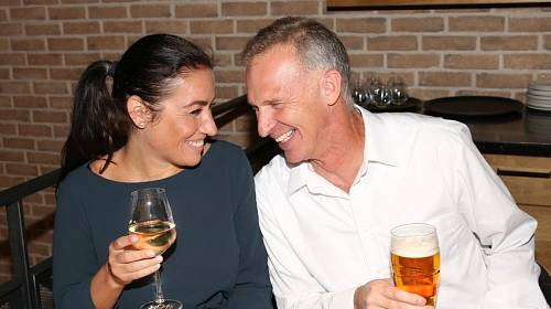 Dominik Hašek s přítelkyní Lenkou