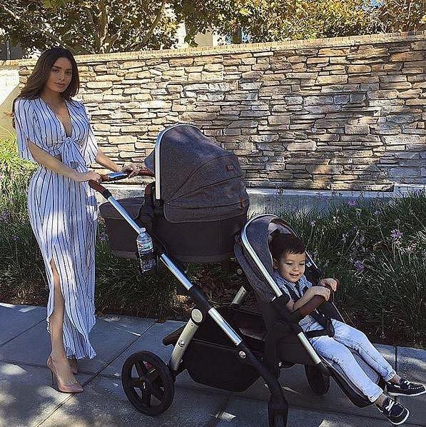 Sarah Stage (33): Měla VYRÝSOVANÉ BŘIŠÁKY I V DEVÁTÉM MĚSÍCI, co se stalo při porodu?