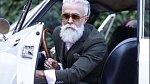 Alessandro Manfredini - Tento téměř padesátiletý krasavec je inspirací pro nás všechny. Miluje módu, zdravý životní styl, rád se schází s přáteli a preferuje dlouhé procházky se svými psími mazlíčky před vysedáváním u počít...