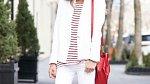 Bílé tenisky: Jak je správně kombinovat
