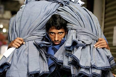Fotogalerie: Věděli jste, jak vzniká vaše značkové oblečení? Asi budete v šoku…