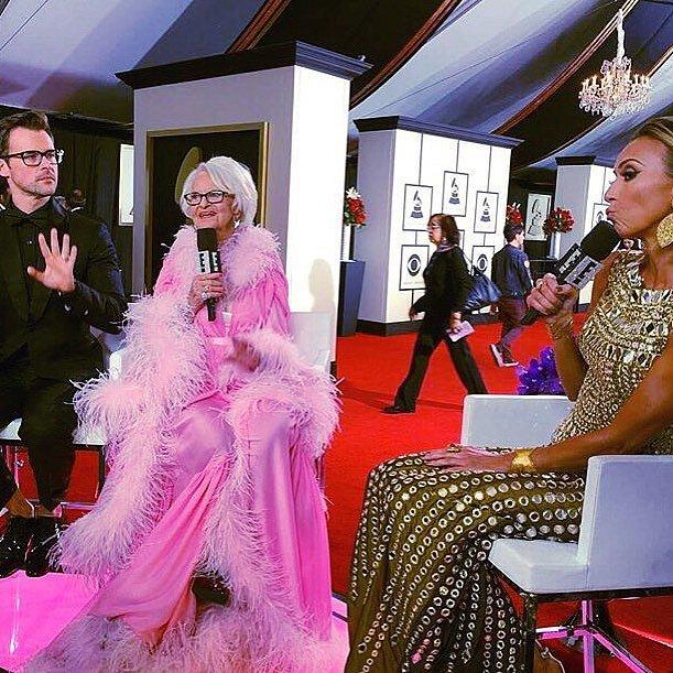 Baddie Winkle je vítaným hostem na různých společenských akcích, Grammy nevyjímaje.