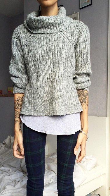 Holly se vždy maskovala svetry a podobným oblečením, aby nebylo poznat, jak moc je hubená.