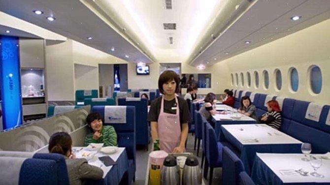 Tato restaurace vznikla ve vyřazeném letadle!