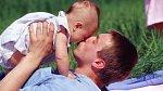 Soutěžte o vůně Infinite Moment od Avonu! – Pošlete polibek