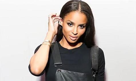 Ciara - tato zpěvačka má smůlu! Neustále je srovnávána s kolegyní Beyoncé a je obviňována, že jí kopíruje. Důkazem jsou podobné klipy, fotografie atd. Může jít o náhodu, ovšem Ciaře její fanoušci rychle ubývají.