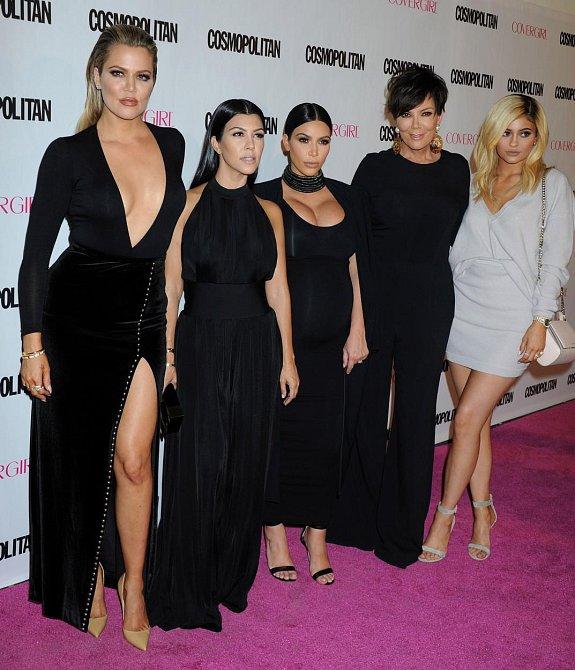 Kris Jenner a její dcery Khloe Kardashian, Kourtney Kardashian, Kim Kardashian a Kylie Jenner