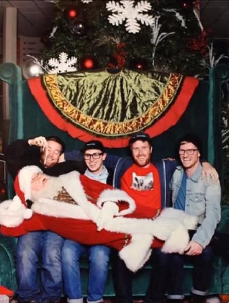 Ten Santa si umí užívat.