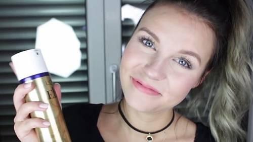 10 triků s lakem na vlasy, které by měla znát každá žena