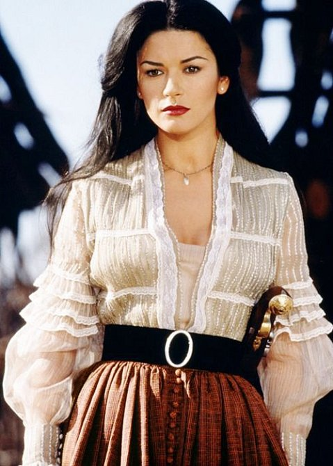 Catherine Zeta-Jones patří dodnes mezi nejkrásnější herečky.
