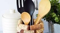 Stojan na kuchyňské náčiní