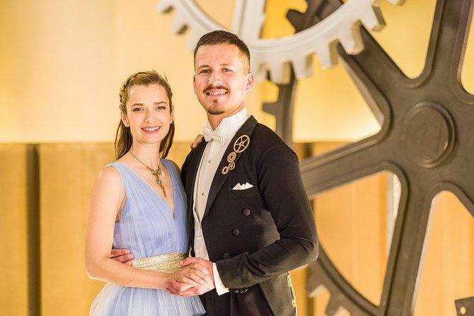Marika Šoposká má šanci s Robinem Ondráčkem.