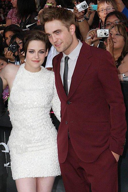 Kristen Stewart a Robert Pattinson - Twilight (sága Stmívání)