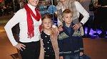 Michaela Maurerová s maminkou a dětmi Magdalenou a Josefem