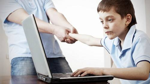 """Příběh Renaty: """"Syn je závislý na hraní počítačových her."""""""