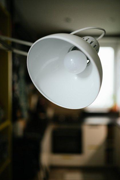 Zaprášené žárovky spotřebovávají o 20 % energie více. Nezapomínejte tedy na jejich údržbu.