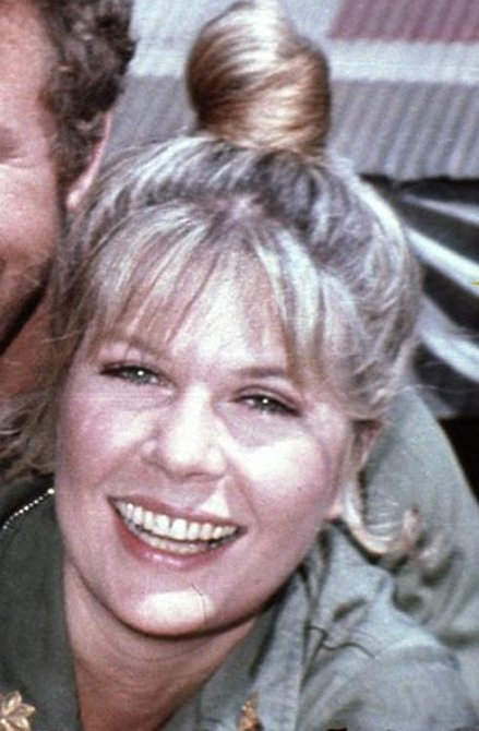 Loretta Swit: Osmasedmdesátiletá hvězda seriálu si zahrála postavu majora Margaret Houlihan.