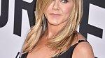 I Jennifer Aniston je léto.