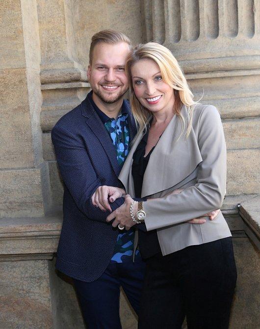 Martin Chodúr s partnerkou