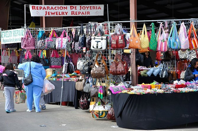 Pravá dáma nenosí falešnou kabelku. Nemusíte mít kabelku od slavného návrháře, ale vždy se držte své finanční situace.