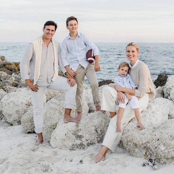 Spokojená rodinka - manžel Archie Drury, syn Tobin a syn Noah.