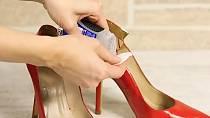 Chcete-li změkčit své nové boty, vytřete je gelovým deodorantem.