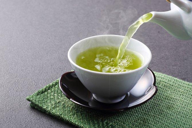Spalování tuků urychlí zelený čaj. Navíc jde o cenný antioxidant.