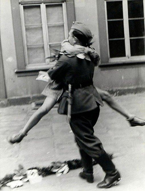 8. Voják vracející se domů z 2. světové války, 40. léta 20. století