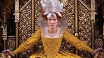 Cate Blanchett v roli Alžběty I.