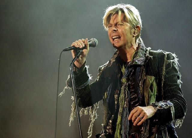 David Bowie, zpěvák - Narození: 8.1. 1947, Brixron, Londýn, Anglie - Úmrtí: 10.1. 2016