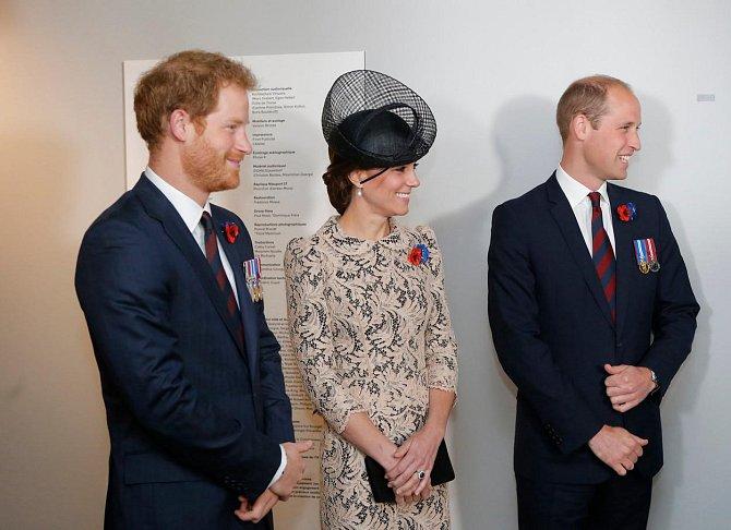 Princ William s manželkou Kate a bratrem Harrym