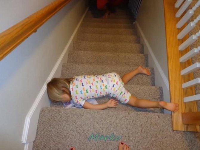 Dítě dokáže usnout kdekoliv