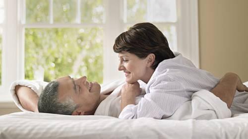 Starší ženy chtějí lepší sex a nemusí být častý