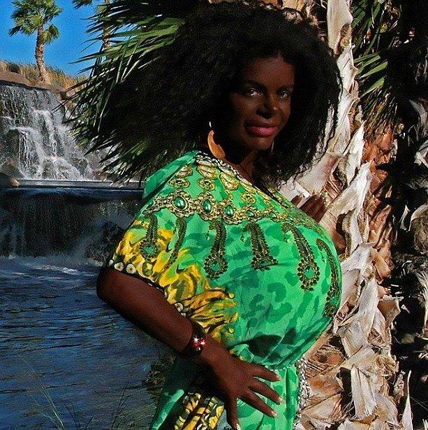 Dnes vypadá jako rodilá Afričanka. Alespoň podle ní.