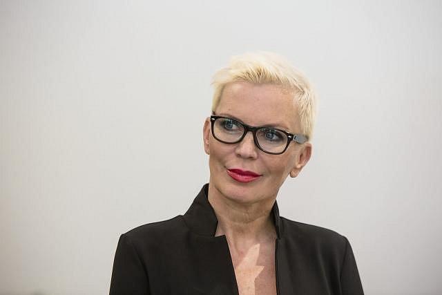 Kateřina Kornová a její typický krátký účes.