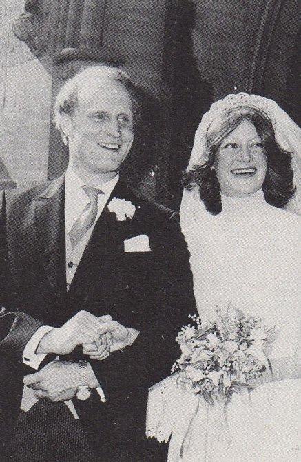 Jejím manželem se nakonec stal Neil Edmund McCorquodale.
