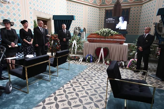 Podoba pohřbu Zdenky Procházkové byla velmi netradiční.