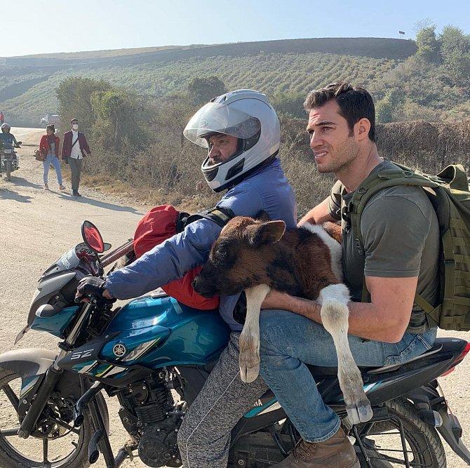 Evan Antin se vydává několikrát do roka na dobrodružnou výpravu do Afriky.